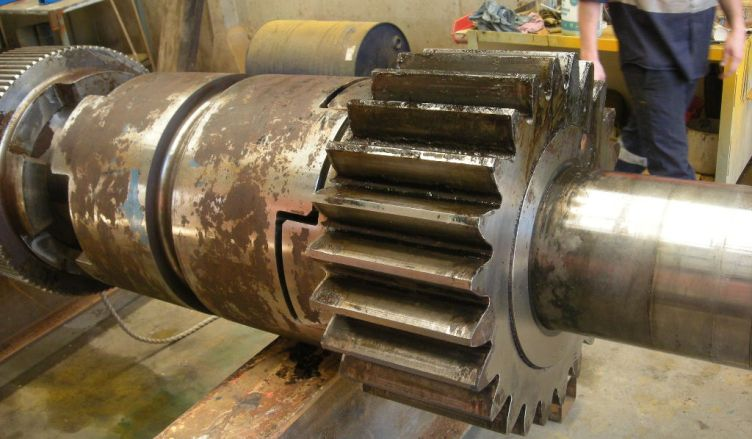 SERVICE Repairs, fabrication and installation 6 1_repair_anchor_winch_shaft_1